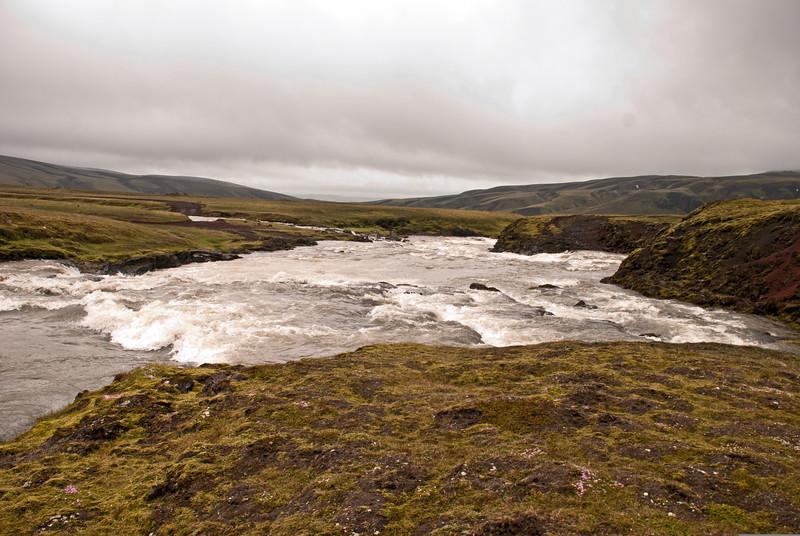 Syðri Ófæra. Hraunbrúin er á kafi.