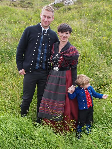 Hans Christian, Marina og lille Joannes. Foto- Martin Bager-7298319.jpg