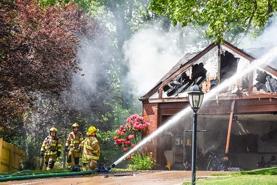 Franklin Park residential structure fire Colony Court
