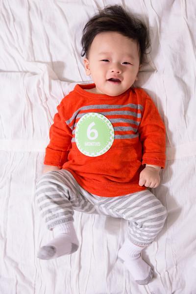 Seth 6 month-2251.jpg