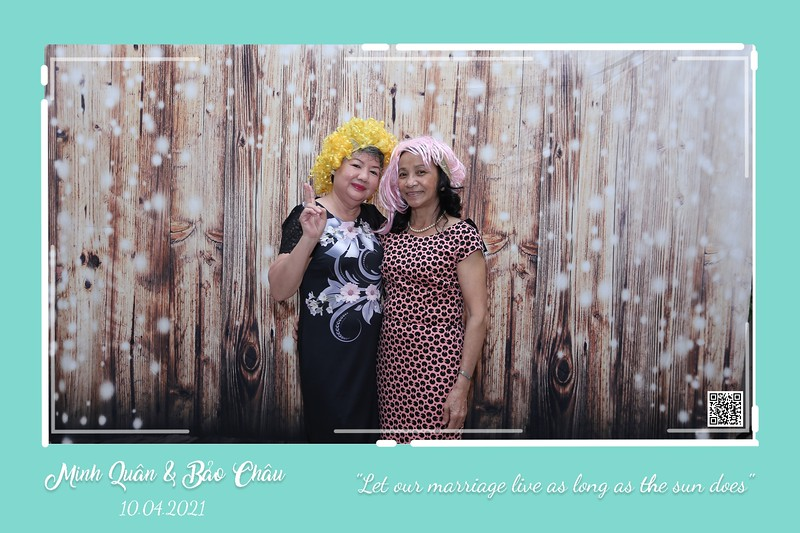 QC-wedding-instant-print-photobooth-Chup-hinh-lay-lien-in-anh-lay-ngay-Tiec-cuoi-WefieBox-Photobooth-Vietnam-cho-thue-photo-booth-081.jpg
