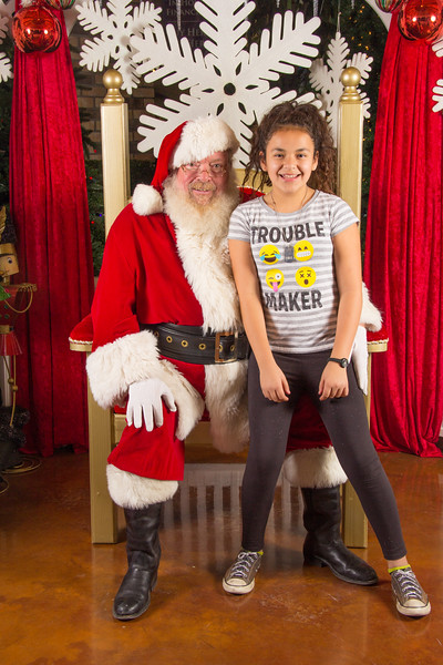 Santa 12-16-17-210.jpg