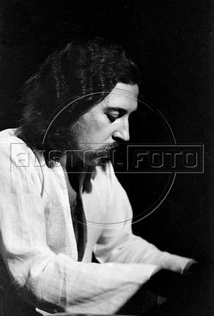 Jazz musician Gustavo Kerestezachi