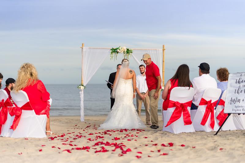 VBWC BEIL 09042019 Buckroe Beach Wedding Image #25 (C) Robert Hamm.jpg