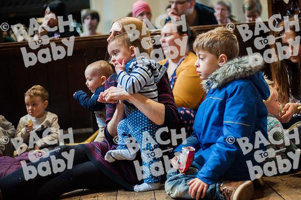 ©Bach to Baby 2019_Laura Woodrow_Reading_2019-02-22_ 8.jpg