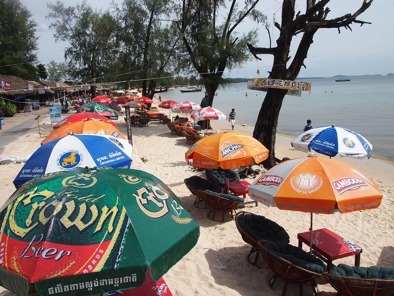 PB143660-beach-umbrellas.JPG