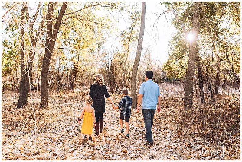 family-outdoor-fall-photographer_0317.jpg