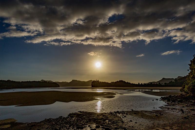 Untergehende Sonne an der Bucht von Whanganui