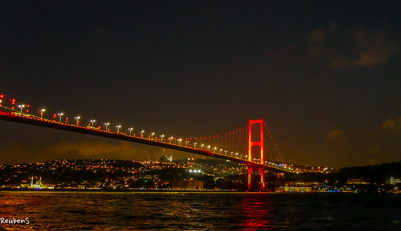 Bosporus  bridge at night.jpg