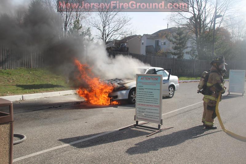 11-11-2014 (Camden County) GLOUCESTER TOWNSHIP- 1421 Black Horse Pike - Car Fire