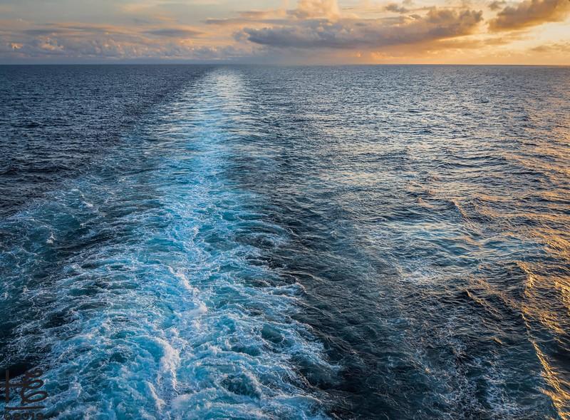 Cruise-line wake