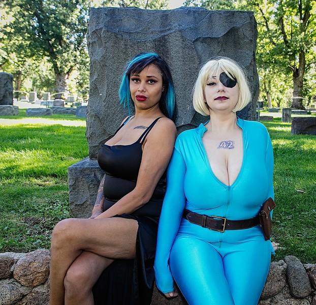 Torey W and Melia M - Suzi and Velvet!