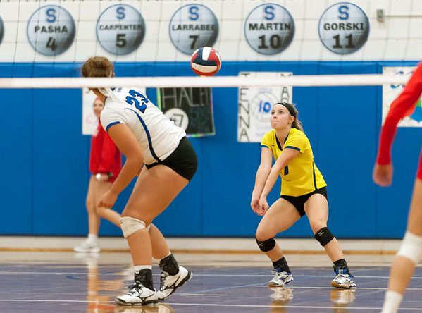 10/23/18 Wesley Bunnell | Staff Southington volleyball defeated Norwich Free Academy 3-0 on Tuesday evening at Southington High School. Lynsey Danko (27).