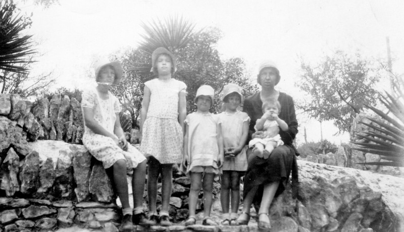 Left to right; Teddy, Clara, Daria, Frieda, Maria Jacob and mother Bertha Seiffert Jacob 1929