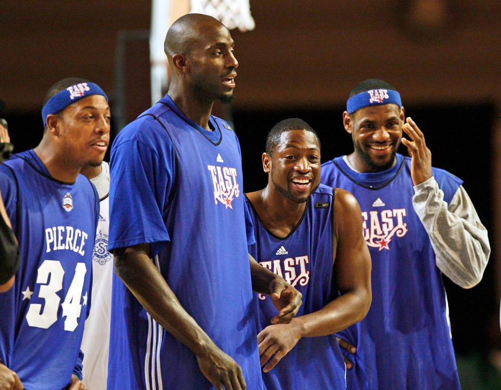 . East All Stars Paul Pierce (34) and Kevin Garnett of the Boston Celtics, second from left, watch during practice for the NBA All Star basketball game with Dwyane Wade, of the Miami Heat and LeBron James, right, of the Cleveland Cavaliers Saturday, Feb. 16, 2008, in New Orleans. (AP Photo/Alex Brandon)