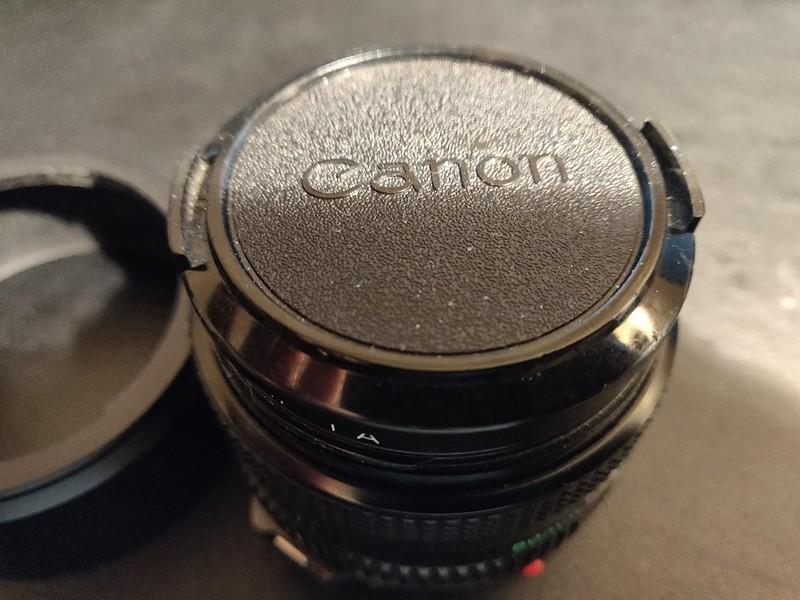 Canon FD 50 mm 2.0 - Serial X1105 & 136609 005.jpg