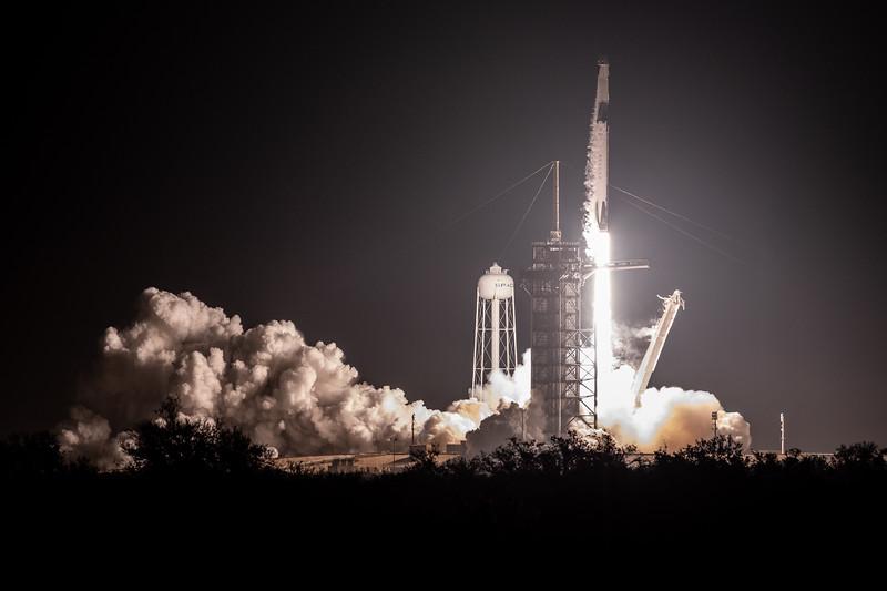 WS-SpaceX Dragon DM1-0121.jpg