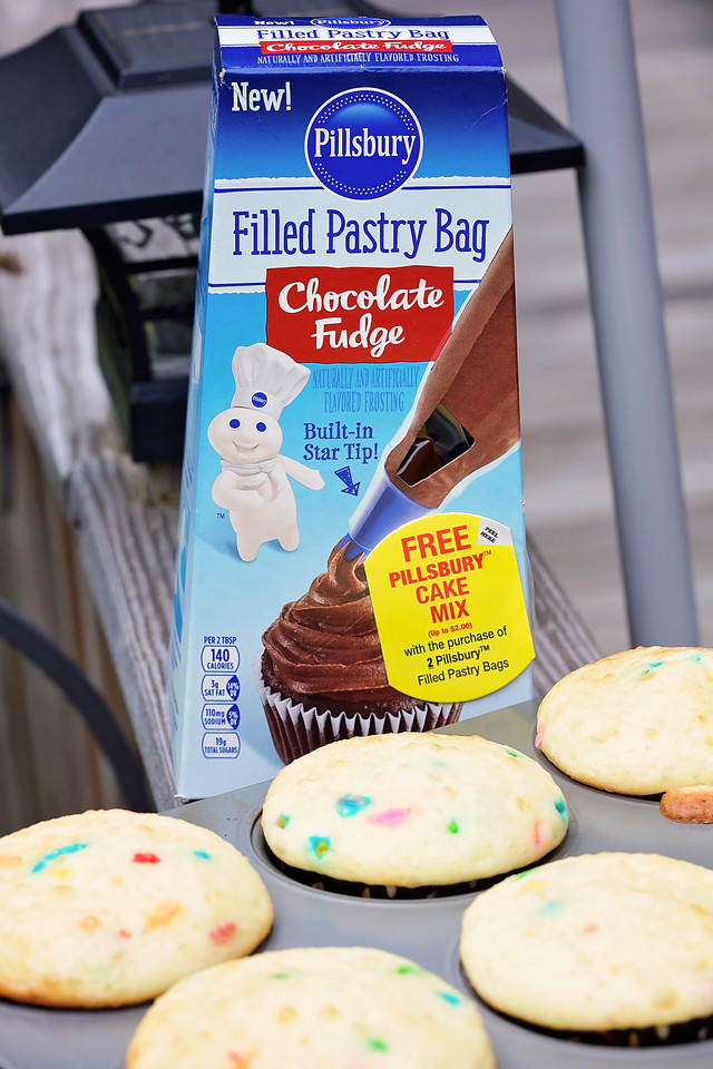 What could be better than fall baking with the fam? Pillsbury Filled Pastry Bags will make your #recipe easy! Try my homemade funfetti #ad #DoughboySurprise