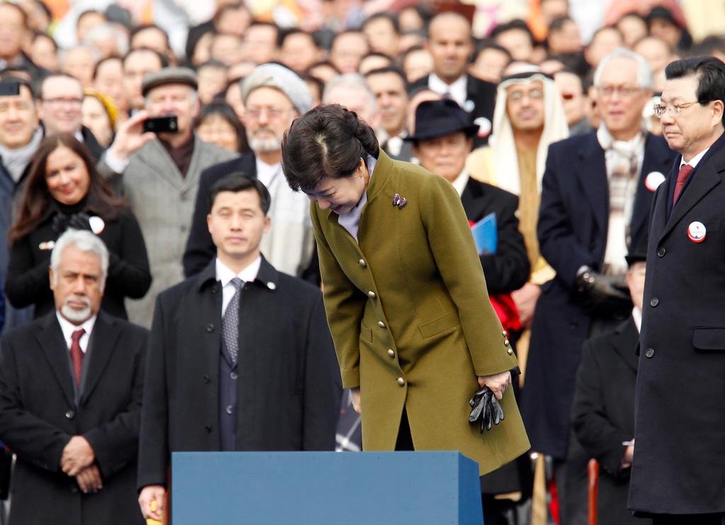. South Korea\'s new President Park Geun-hye bows during her inauguration at parliament in Seoul, South Korea, Monday, Feb. 25, 2013. (AP Photo/Kim Hong-Ji, Pool)