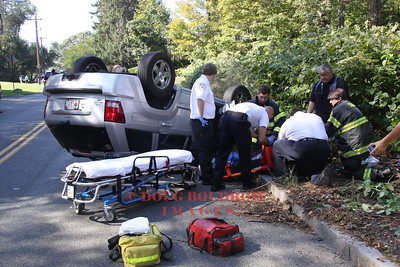 Saugus, MA - MVA, Essex Street at the Melrose line, 10-10-11