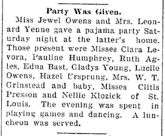 19311119_clip_mom_at_pajama_party.jpg