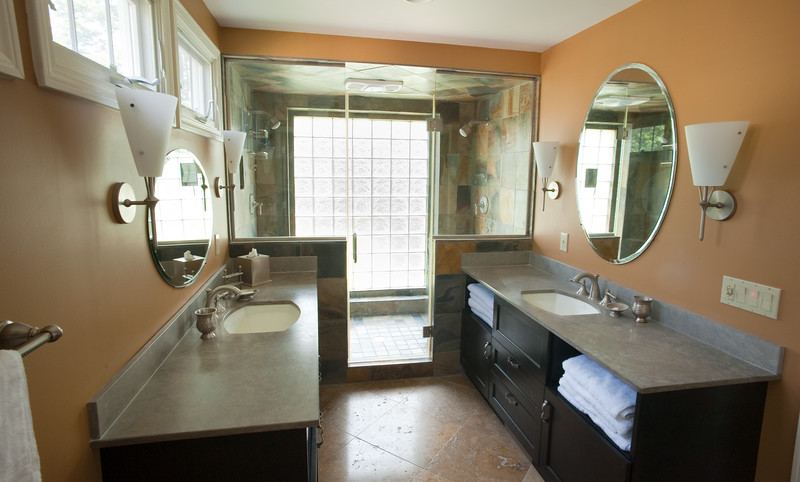 bathroom004.jpg