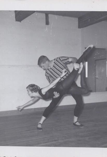 Dance_1228.jpg