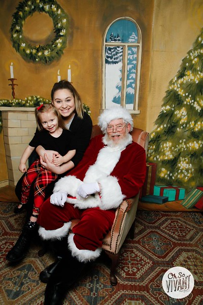 Pictures with Santa @Earthbound 12.1.2018-107.jpg