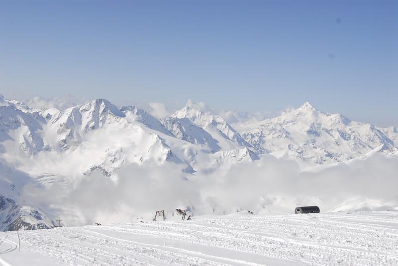 080502 1854 Russia - Mount Elbruce - Day 2 Trip to 15000 feet _E _I ~E ~L.JPG