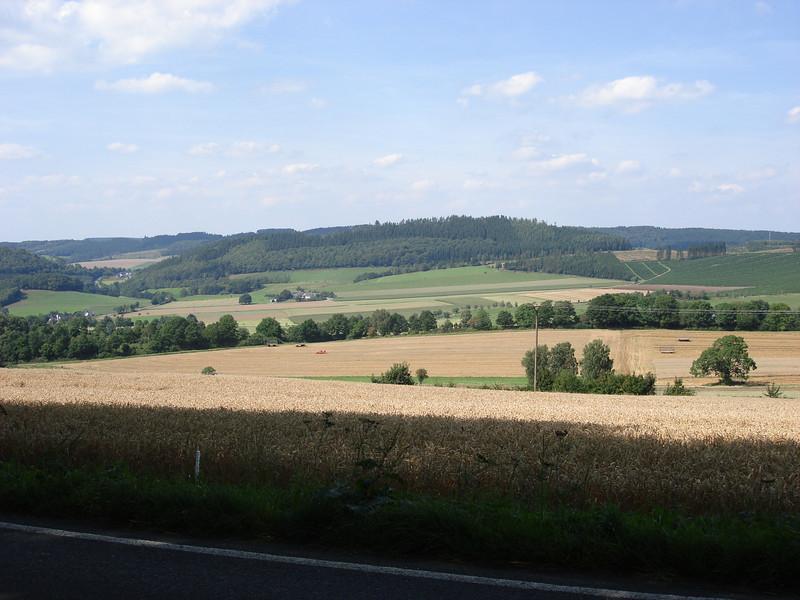woensdag 19 augustus 2009 het Sauerland met zijn mooie baantjes om te toeren ...