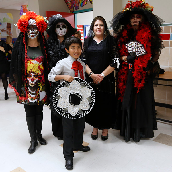 110118BrownMS-DayOfTheDead036 copy.JPG