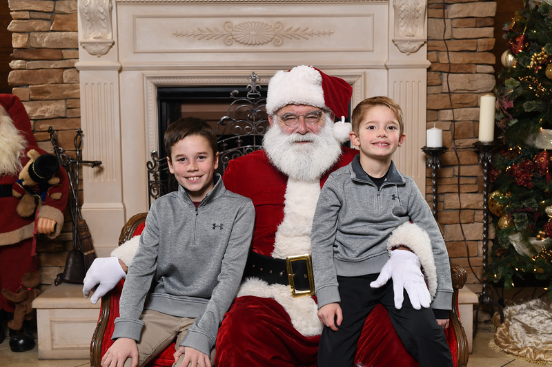 Santa2018.TylerBoye.-36.jpg