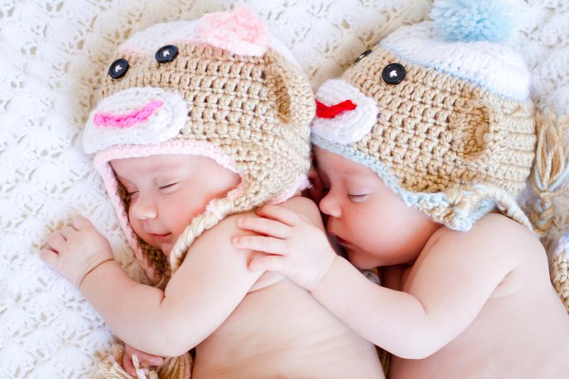 20120609 Elizabeth & Caleb Midgley - Newborn-0249.jpg