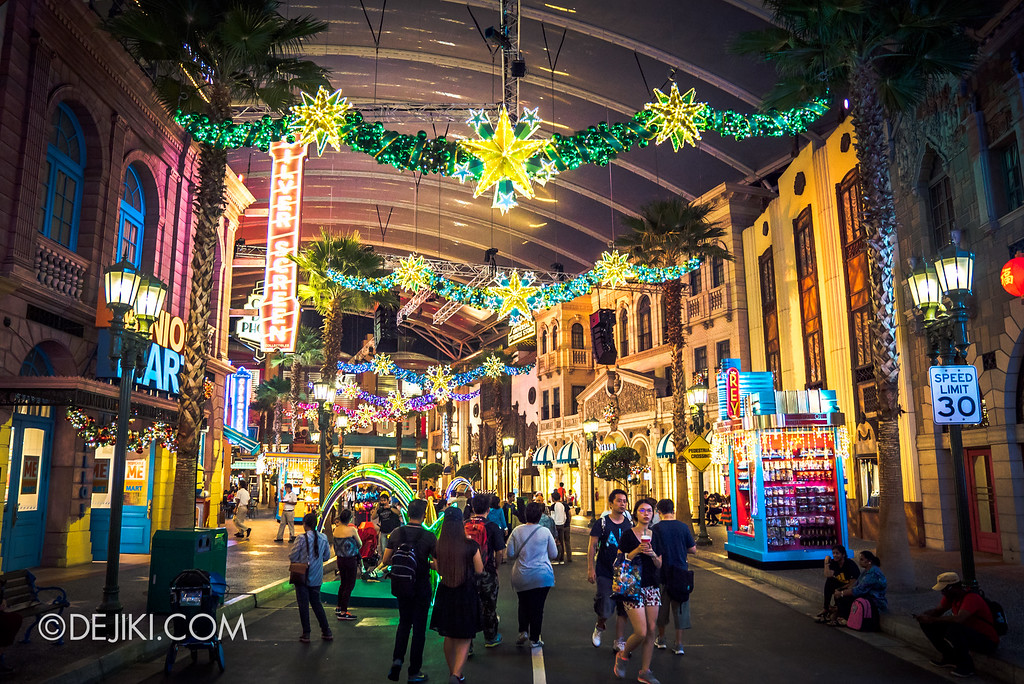 Universal Studios Singapore December Park Update - Santa's All Star Christmas 2016 / Park Decorations at Hollywood