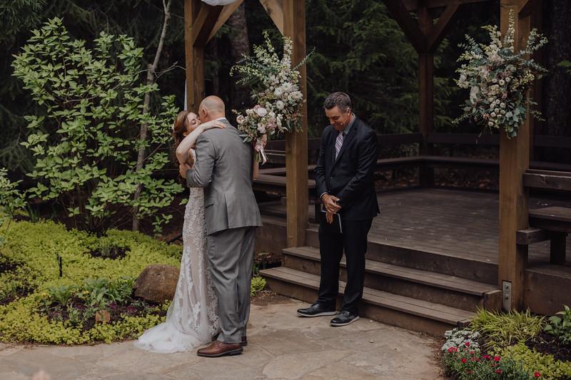 2018-05-12_ROEDER_JulieSeth_Wedding_DUSTIN2_0049.jpg