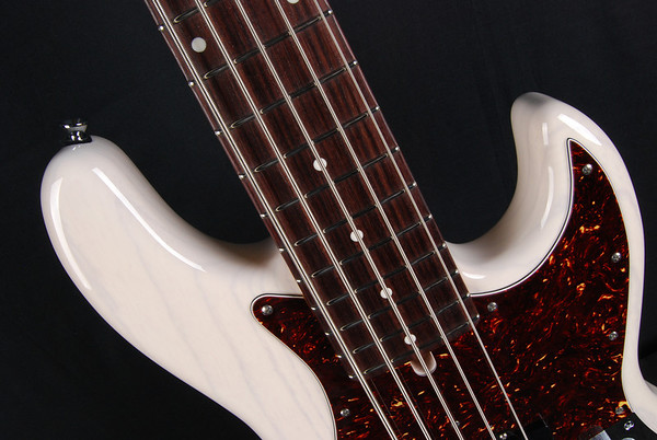 J5 Bass, Mary Kay White