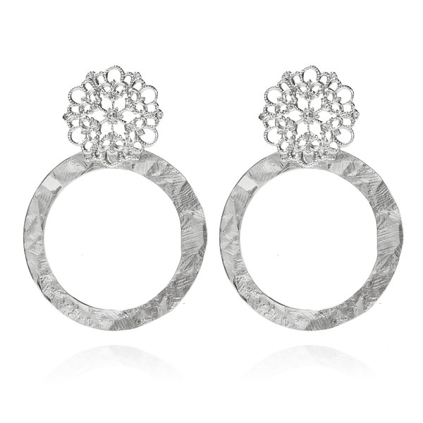 Andriana_round_earrings_695SEK_web_rhodium.jpg