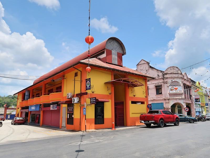 IMG_5089-orange-building.jpg