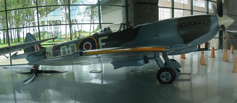 Spruce Goose Evergreen Museum 062.jpg
