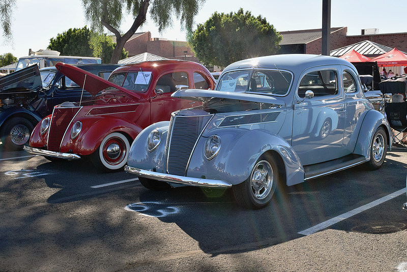 Ford 1937 Standard Coupe red-Club Coupe gray ft lf.JPG