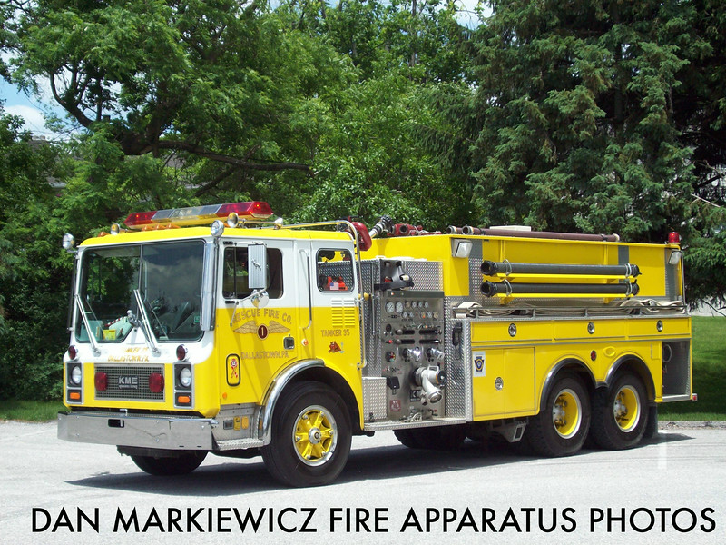 RESCUE FIRE CO. DALLASTOWN TANKER 35 1985 MACK/1987 KME TANKER