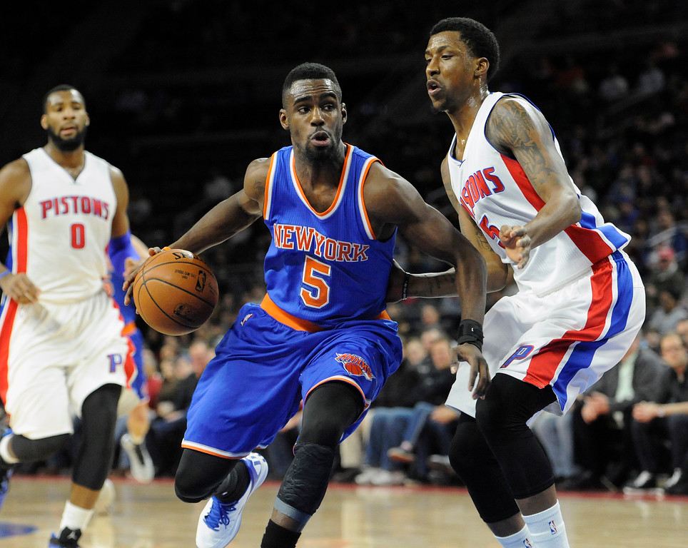 . New York Knicks guard Tim Hardaway Jr. (5) goes to the basket as Detroit Pistons guard Kentavious Caldwell-Pope (5) guards him in the first quarter, Friday, Feb. 27, 2015 at The Palace in Auburn Hills, Mich.  The Knicks beat the Pistons 121-115.  (Special to The Oakland Press/Jose Juarez)