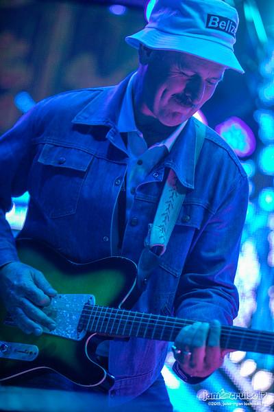 ©2019 ShowLove Media    All rights reserved    Photo by John-Ryan Lockman