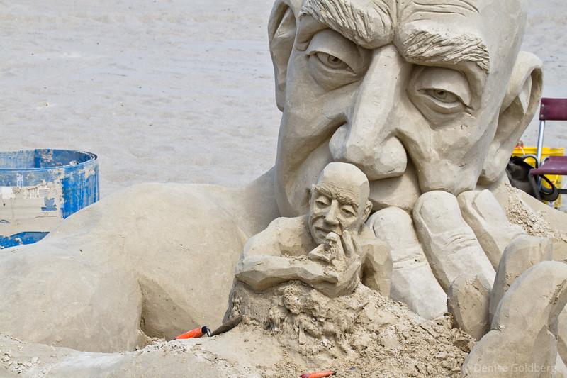 heads & hands > sand sculpted