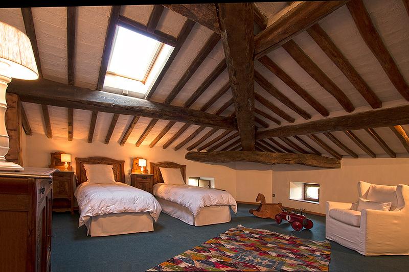 Bedroom Waterloo, Mansarda (top floor)