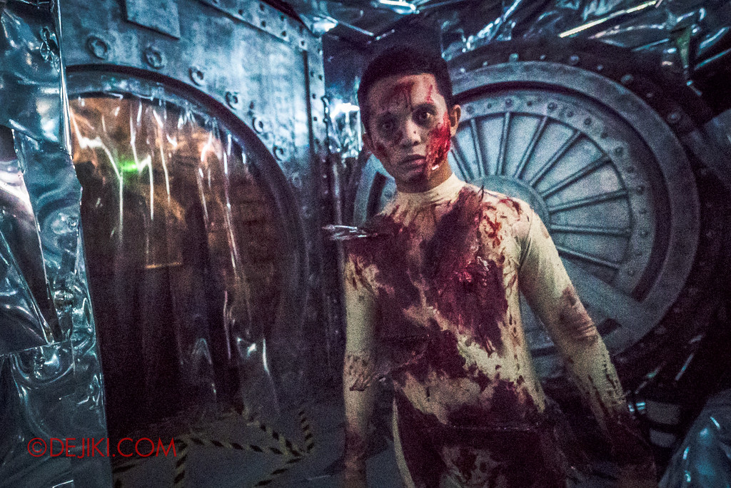 Halloween Horror Nights 7 Sneak Preview - Inside The Mind haunted house 2