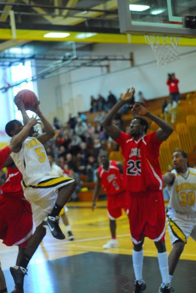 20090301_MCC Basketball_5549.JPG