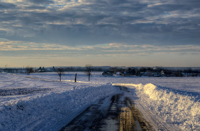 snow 2016 - amishtown road barely plowed(p).jpg