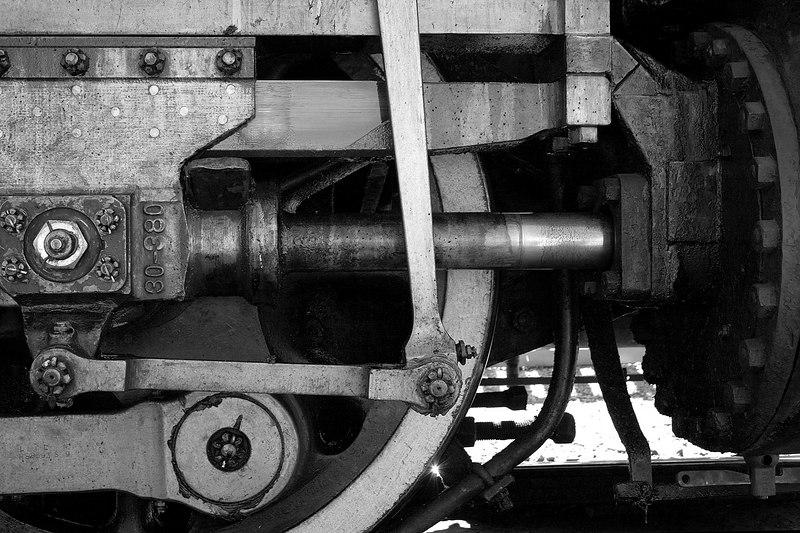 A running steam engine in Heritage Park.