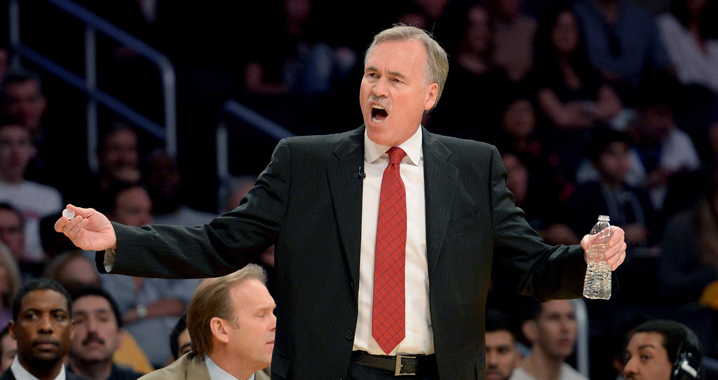 . Coach Mike D\' Antoni calling the shots as the Los Angeles Lakers host the Chicago Bulls in a NBA basketball game at Staples Center in Los Angeles, CA. on Sunday, February 10, 2014. (Photo by Sean Hiller/ Daily Breeze).